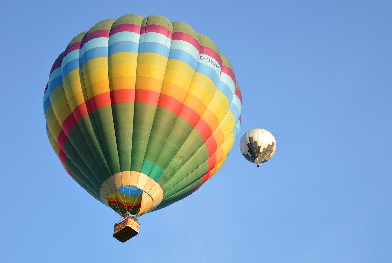 hot-air-balloon-5390487_1280